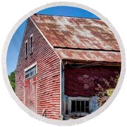 Red Rustic Weathered Barn Round Beach Towel