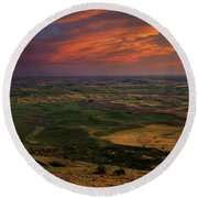 Red Sky Over The Palouse Round Beach Towel