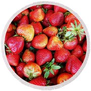 Red Strawberries Round Beach Towel