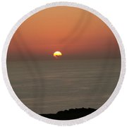 Red Sunset Over Sea Round Beach Towel