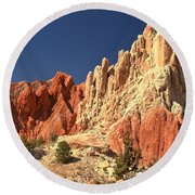 Red To White To Blue Round Beach Towel