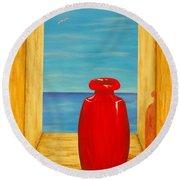 Red Vase Round Beach Towel