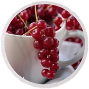 Redcurrant Close Up Round Beach Towel