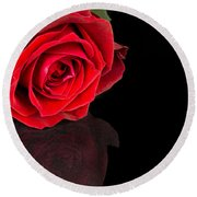 Reflected Red Rose Round Beach Towel