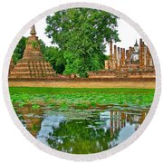 Reflecting Pool At Wat Mahathat In 13th Century Sukhothai Historical Park-thailand Round Beach Towel