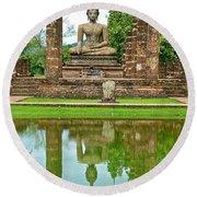 Reflecting Pool At Wat Mahathat In 13th Century Sukhothai Historical Park-thailand Round Beach Towel