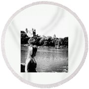 Reflection In Black And White Round Beach Towel