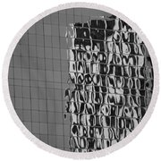 Reflections Of Architecture In Balck And White Round Beach Towel