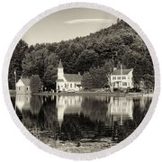 Reflections Of The Day Black And White Round Beach Towel