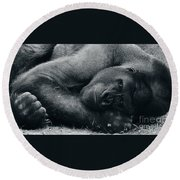 Remembering Fay Wray Round Beach Towel