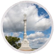 Revolutionary War Monument At Yorktown Round Beach Towel