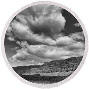Ridges Black And White Round Beach Towel
