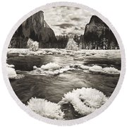 Rime Ice On The Merced In Black And White Round Beach Towel