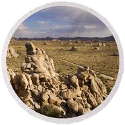 Rise Of Gneis Rock Formations Round Beach Towel
