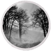 Rising Mists In The Bald Hills Round Beach Towel