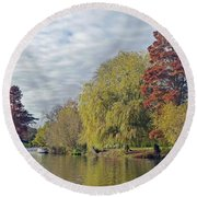 River Avon In Autumn Round Beach Towel