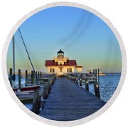 Roanoke Marches Lighthouse Round Beach Towel