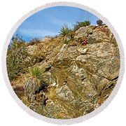 Rock Pile In Black Rock Canyon On Panorama Loop Trail In Joshua Tree National Park-california Round Beach Towel