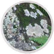 Rock With Moss Round Beach Towel