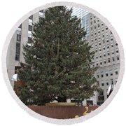 Rockefeller Christmas Tree Round Beach Towel