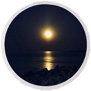 Rockport Moonrise Round Beach Towel