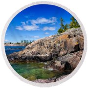 Rocky Coast And Clear Water Of Lake Superior Round Beach Towel