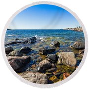 Rocky Cove At Lake Superior North Shore Round Beach Towel