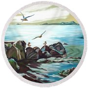 Rocky Seashore And Seagulls Round Beach Towel