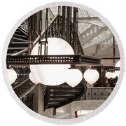 Rookery Building Lights Round Beach Towel