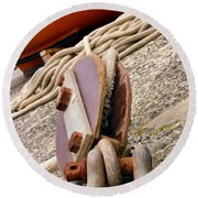 Ropes And Chains Round Beach Towel