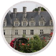 Rose And Cabbage Garden Chateau Villandry Round Beach Towel