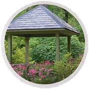 Rose Garden Gazebo Round Beach Towel