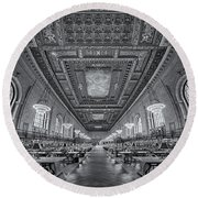 Rose Main Reading Room At The Nypl Bw Round Beach Towel