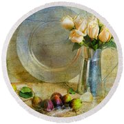 Roses With Figs Round Beach Towel