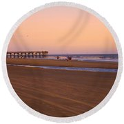 Rosy Evening At Isle Of Palms Round Beach Towel