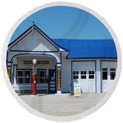 Route 66 Odell Il Gas Station 01 Round Beach Towel