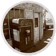 Route 66 - Rusty Coke Machine 2 Round Beach Towel