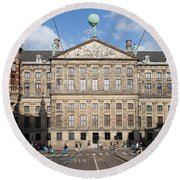 Royal Palace From Raadhuisstraat Street In Amsterdam Round Beach Towel
