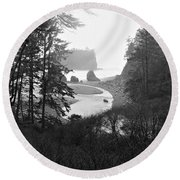 Ruby Beach In The Winter In Black And White Round Beach Towel