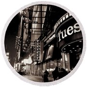 Ruby Tuesday's Times Square - New York At Night Round Beach Towel