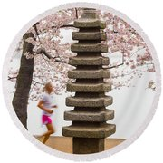 Running By The Tidal Basin Round Beach Towel