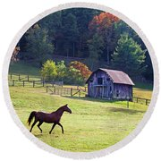 Running Horse And Old Barn Round Beach Towel