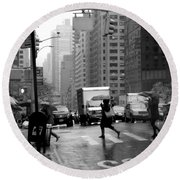 Running In The Rain - New York City Street Scene Round Beach Towel