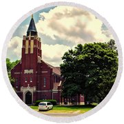 Rural Church Usa Round Beach Towel