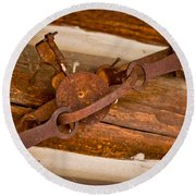 Rust Trapped On A Log - Old Trap - Casper Wyoming Round Beach Towel