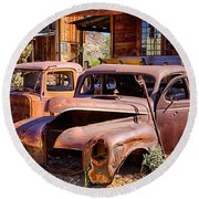 Rusty Cars  Round Beach Towel