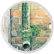 Rusty Drainpipe Round Beach Towel