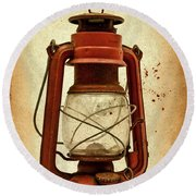 Rusty Old Lantern On Aged Textured Background E59 Round Beach Towel