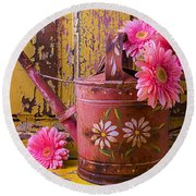 Rusty Watering Can Round Beach Towel