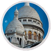 Sacre-coeur And Moon Round Beach Towel
